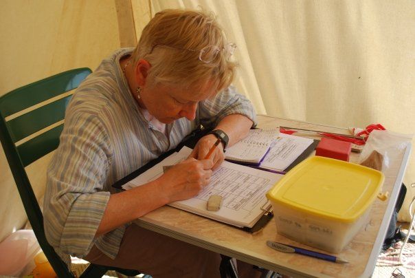 Jan Picton drawing and registering small finds